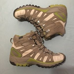 Merrell Womens Hiking Boots
